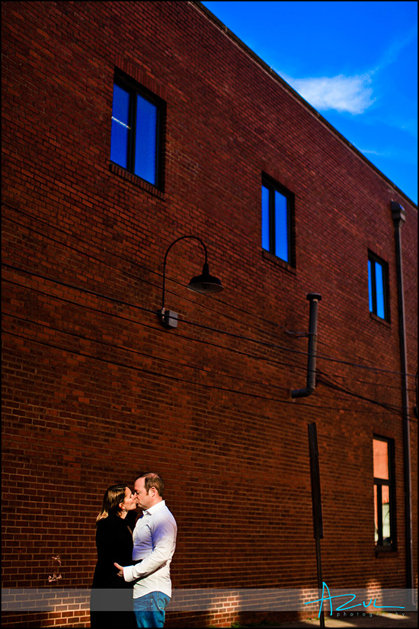Downtown Raleigh engagement portrait sesion