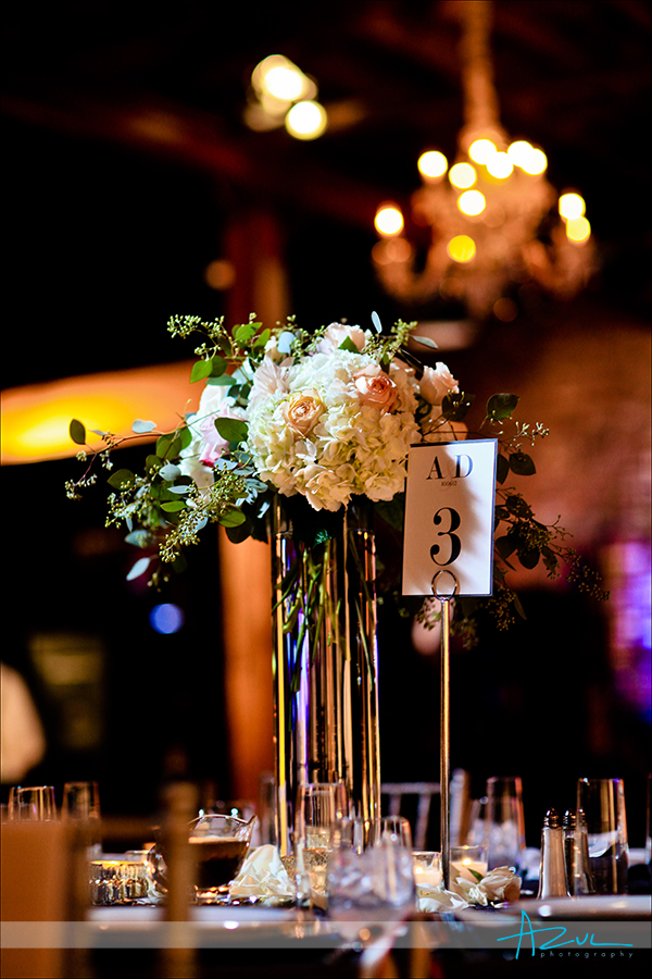 Perfect way to decorate your wedding day table top
