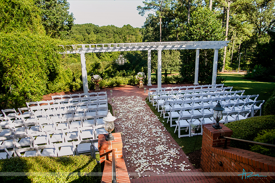 Higrove Estate has diferent wedding packages which includes Azul Photography base in Raleigh, North Carolina